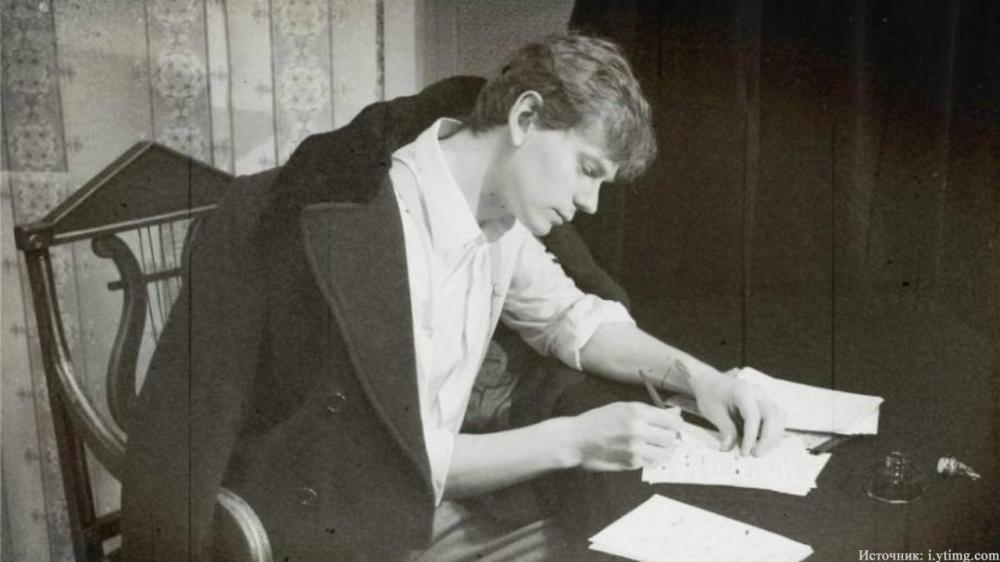 Почему уголовники почитали стихи Сергея Есенина?