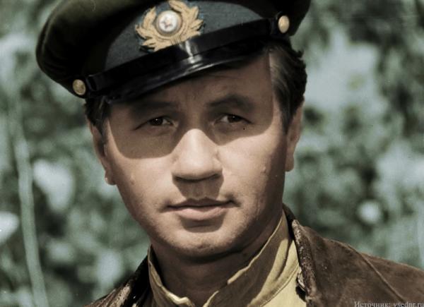 За какой проступок советский министр обороны обматерил Леонида Быкова?