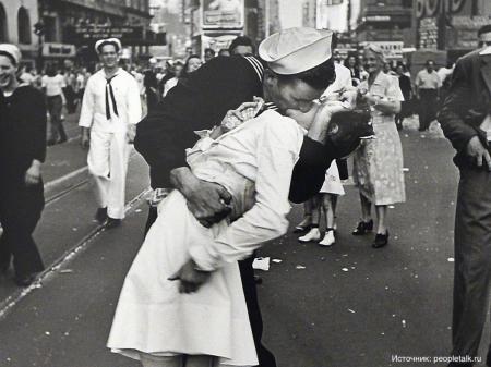 Кто на самом деле придумал французский поцелуй?