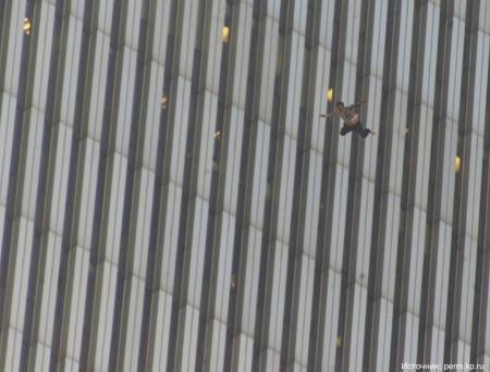 11 историй людей, которые выпрыгнули из окна и остались живы