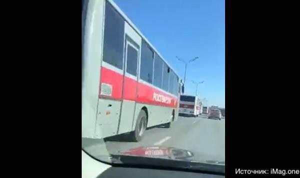 Колонны ведомственных автобусов на въезде в Москву были лишь «плановой дислокацией»