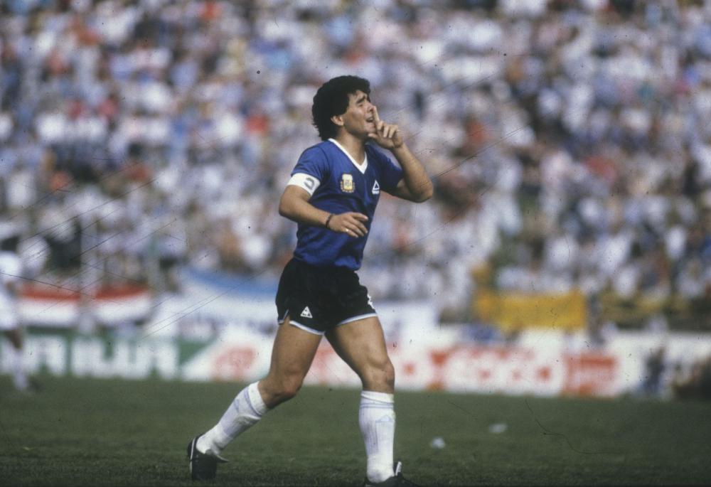 Великий Аргентинский футболист Диего Марадона умер в возрасте 60 лет